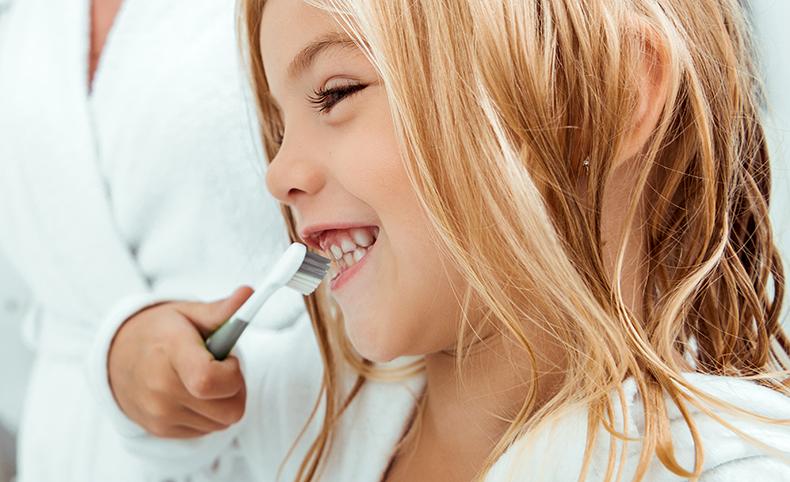 MAXCARE Ratgeber Zahnpflege bei Kleinkindern